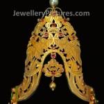 Gold Vanki in colorful stones