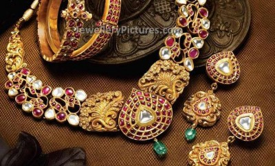 Nakshi work antique uncut diamond jewellery set with necklace and earrings and bangles