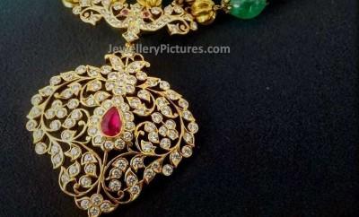 beads-gold-chain-diamond-pendant (1)