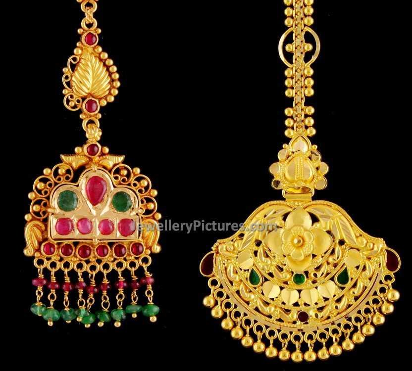gold photo in dubai a popular stock elaborate market souq intricate designs images design with display necklace on photos