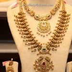 Gold Jewellery Design Necklace and Earrings