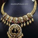 Alluring Gold Set Design