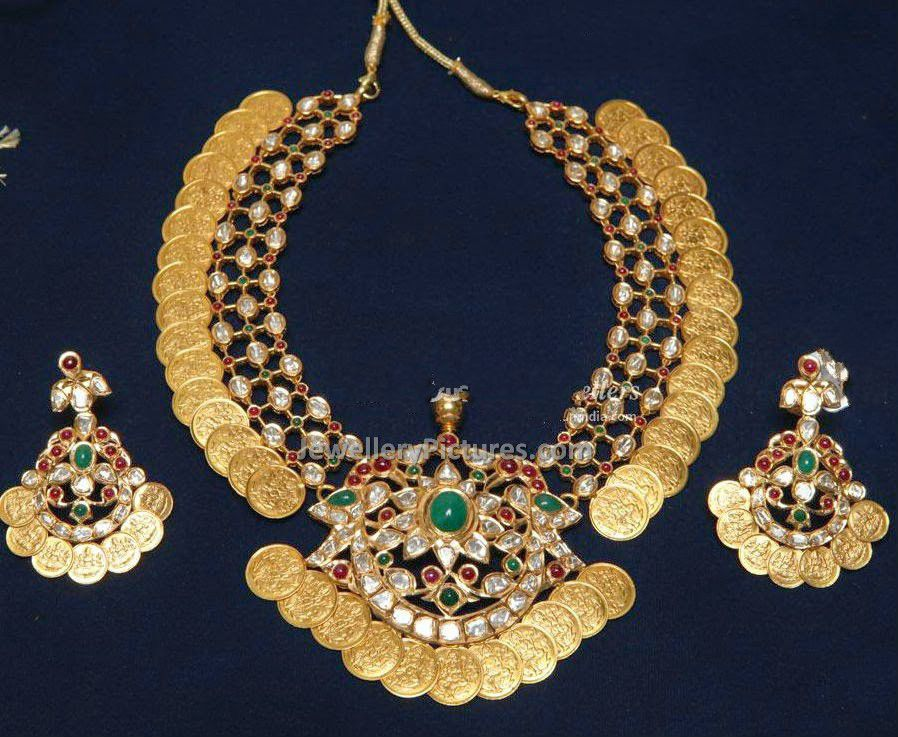 Lakshmi Kasu Earrings and Kasu Necklace - Jewellery Designs