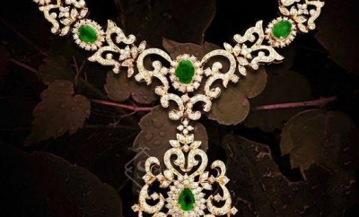new diamond necklace designs with emerald combination