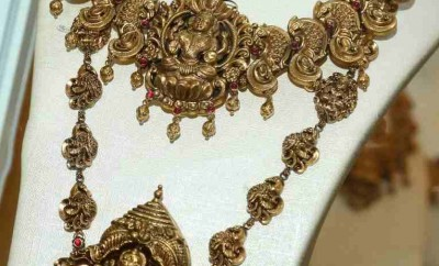 south indian temple jewellery nakshi work
