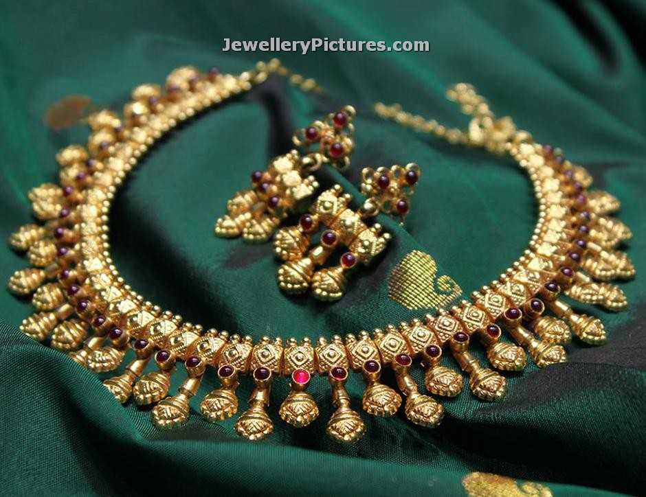 Bib Necklace Designs in Gold - Jewellery Designs