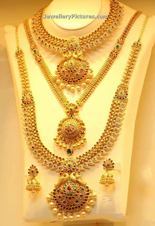 Necklace Designs In Joyalukkas - Jewellery Designs