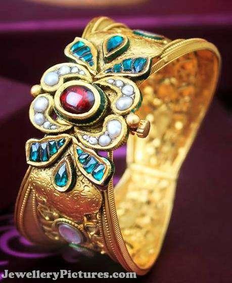 antique kada studded with kundans