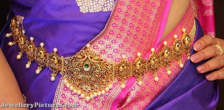 gold bridal vaddanam design