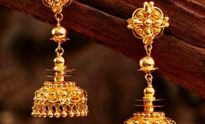 gold-jhumkas-by-khazana